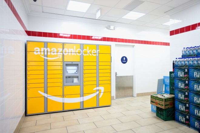http://www.wired.com/images_blogs/business/2012/08/080712-AMAZON-LOCKER-005edit-660x440.jpg