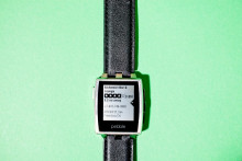 http://www.wired.com/images_blogs/gadgetlab/2014/01/20140127-PEBBLE-WATCH-NEW-0151-660x440.jpg
