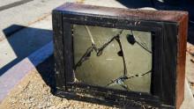 http://betanews.com/wp-content/uploads/2014/12/Broken-TV.jpg