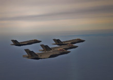 http://images.defensetech.org/wp-content/uploads/2015/03/F35-Formation-600x400-490x350.jpg