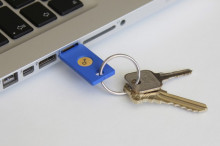 http://cdn.arstechnica.net/wp-content/uploads/2014/10/Security-Key-by-Yubico-in-USB-Port-on-Keychain-640x426.jpg
