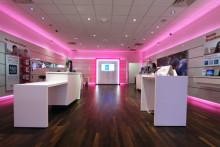 http://asset2.cbsistatic.com/cnwk.1d/i/tim/2013/03/19/T-Mobile_store_610x407.jpg