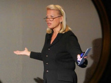 http://static2.businessinsider.com/image/528bca81eab8ea746a99ac90-480-/ginni-rometty-13.jpg