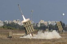 http://d.ibtimes.co.uk/en/full/1388232/israel-iron-dome-rocket.jpg?w=720&h=480&l=50&t=40