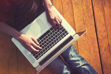 http://icdn1.digitaltrends.com/image/macbook-pro-stock-image-640x0.jpg