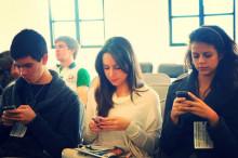 http://cdn.arstechnica.net/wp-content/uploads/2014/08/smartphone-users-640x424.jpg