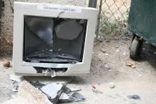 http://cdn.arstechnica.net/wp-content/uploads/2013/07/smashed-monitor.jpg